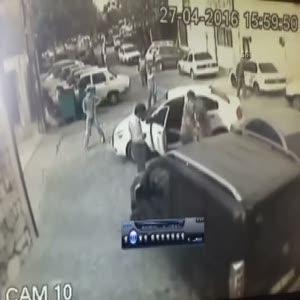İki kişinin yaralandığı silahlı kavga kamerada