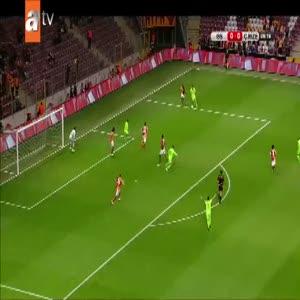 Galatasaray kalesinde tehlikeli pozisyon