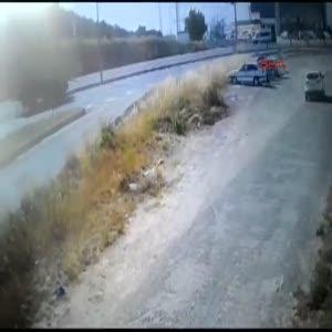 Freni patlayan kamyon takla attı