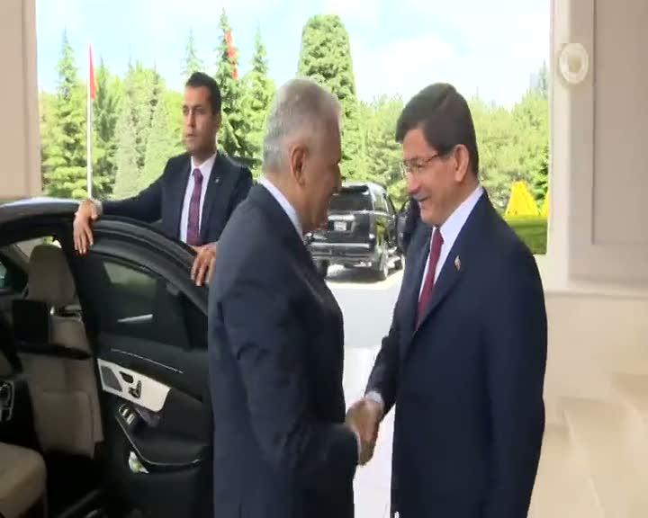 Binali Yıldırım, Ahmet Davutoğlu'ndan Başbakanlık görevini devraldı