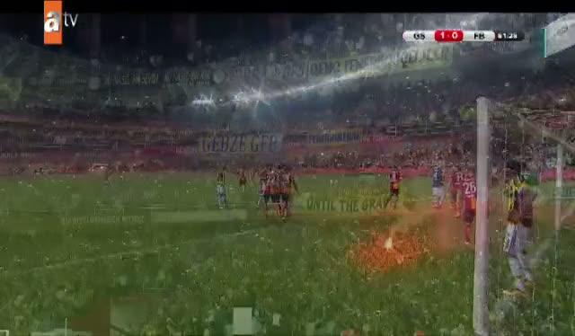 Fenerbahçe'den tehlikeli pozisyon