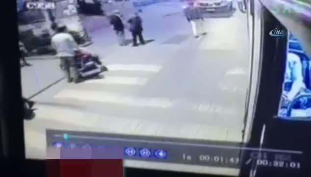 Halk otobüsüne el yapımı bomba attılar