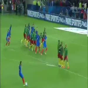 Yıldız futbolcunun frikikten attığı gol geceye damga vurdu!