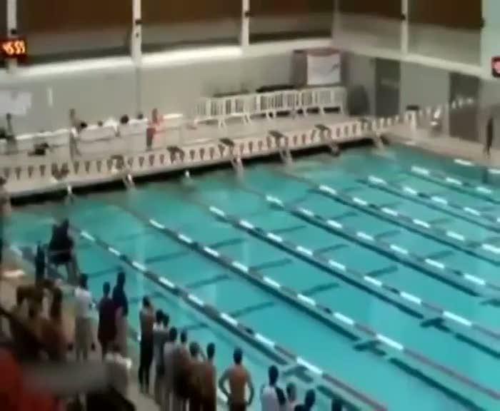 Yüzücüden inanılmaz dünya rekoru!