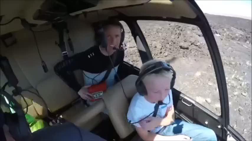 Savaş uçağının kara kutusunu kesip içine baktılar