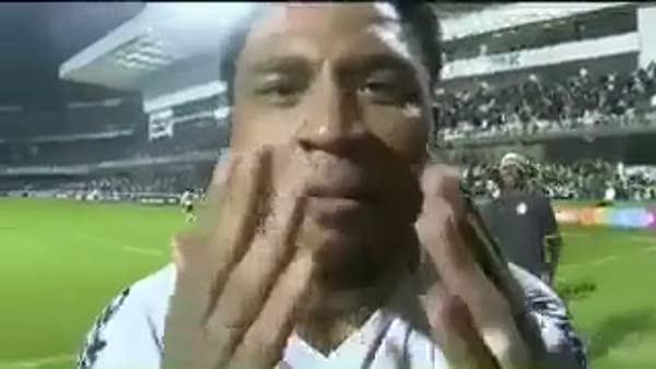 Colin Kazım'dan gol sonrası teröre tepki!
