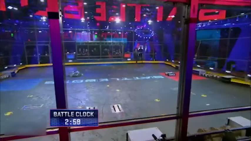 Robotların savaşı nefes kesti!