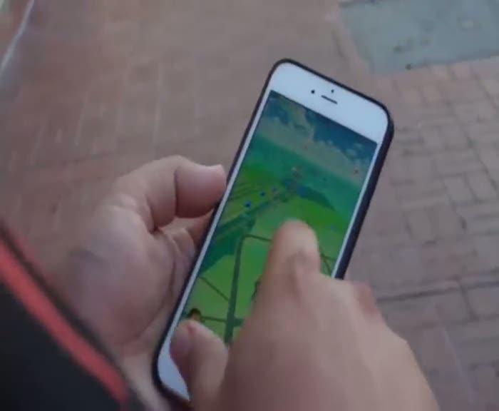 Drone ile nasıl Pokemon avlanır? Drone ile Pokemon avına çıktılar!