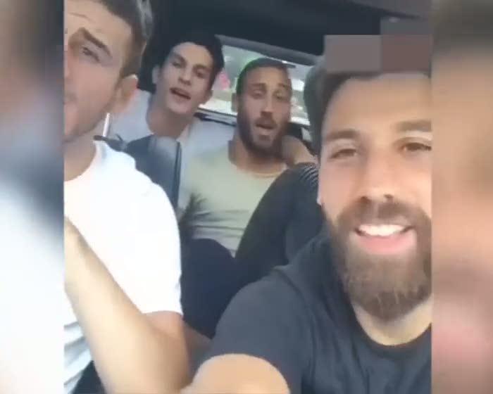 Beşiktaşlı futbolculardan 'Günah benim' performansı