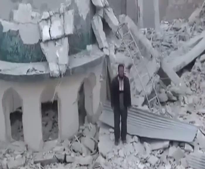 Halep'te ezanlar okunmaya devam ediyor