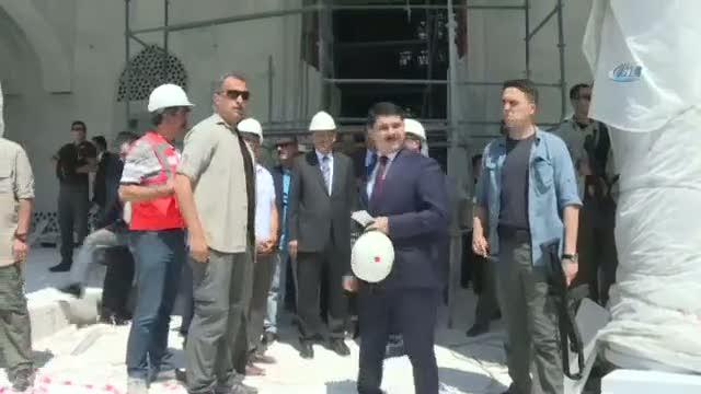 Osmanlı Camisi'nin inşaatını gezen Erdoğan'a sevgi seli