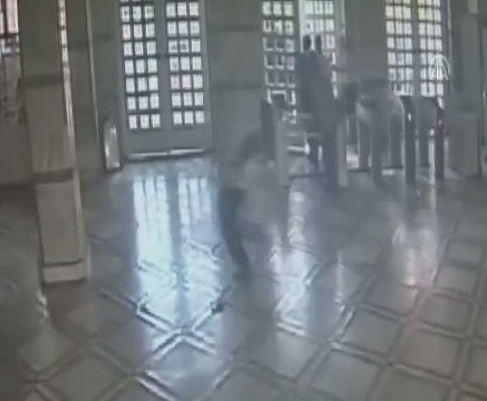 Adana adliyesinde katil zanlısına linç girişimi