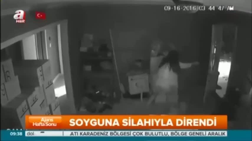 Genç kadın hırsızlara kurşun yağdırdı