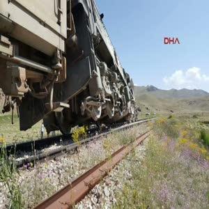 Van'da yük trenine PKK'dan bombalı saldırı