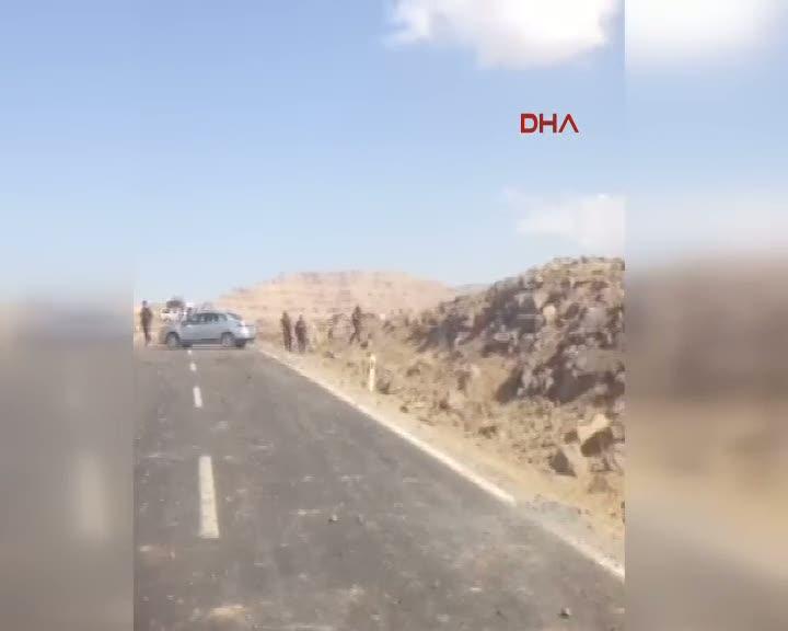 Mardin Derik'te yola döşenen patlayıcı infilak ettirildi 2'si ağır 8 asker yaralandı