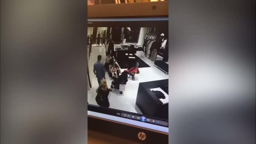 Mağazada bebek arabasından hırsızlık kamerada!