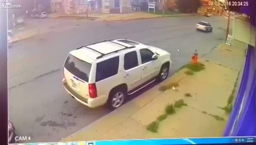 Helikopterden cadde ortasına acil iniş!
