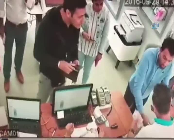 Para çalmaya çalışan şahsı iş yeri sahibi yakaladı