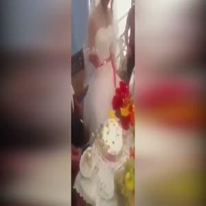 Gelinin pasta şakası düğünü karıştırdı