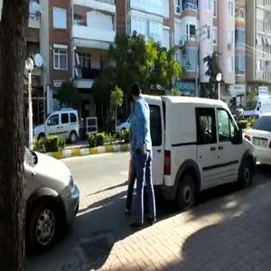 Yaşlı kadınları dolandıran zanlılar polisten kaçamadı