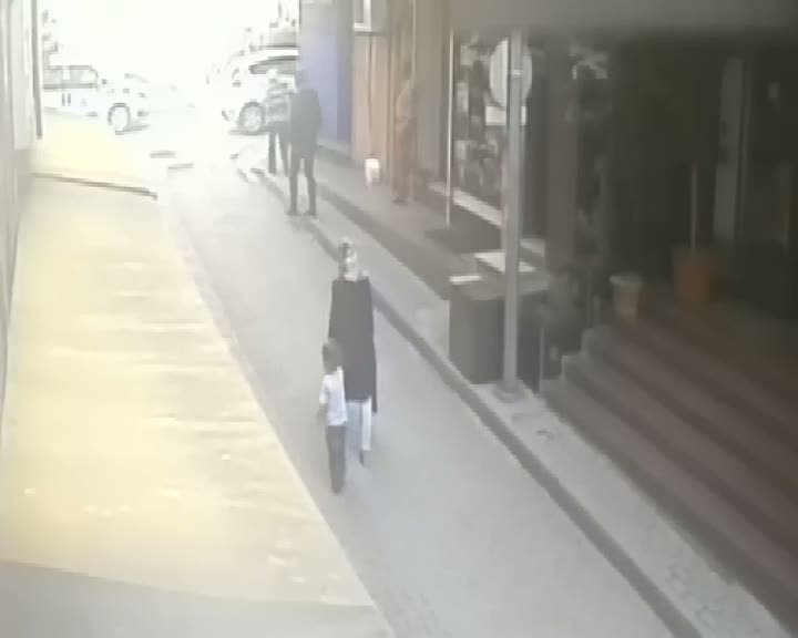 Vahşi cinayet güvenlik kamerasında