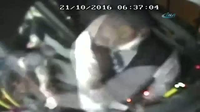 İstanbul'da İETT şoförüne saldırı anı kamerada