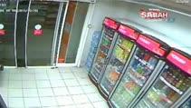 Bir gecede 2 benzin istasyonu soyan maskeli şahıslar kamerada