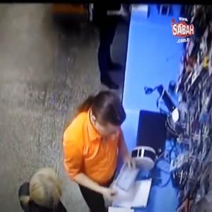 Telefon tamircisinin çırağından şok hareket