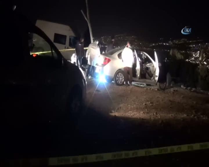 Arabanın içinde tabancayla vurulmuş halde bulundu