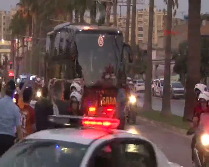 Galatasaray, Adana'ya geldi