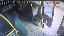 Otobüs yan yattı yolcular böyle savruldu...