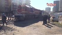 Rayda kalan minibüse tren çarptı