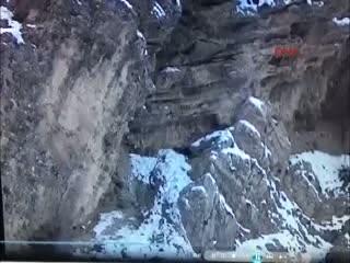 PKK'ya ait sığınakta çok sayıda patlayıcı ele geçirildi