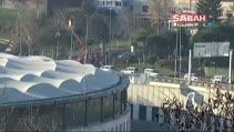 Patlamanın yaşandığı alana dev Türk bayrağı asıldı