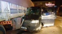 Minibüs TIR'ın altına girdi!