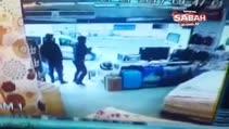 Son dakika haberi: İstanbul Esenyurt'ta polise ateş açan teröristin kaçış anı görüntüsü ortaya çıktı!