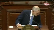 ABD'de vali mecliste konuşurken bayıldı!